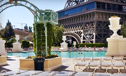 Soleil pool at paris las vegas for a pool outing - Explorer hotel paris swimming pool ...